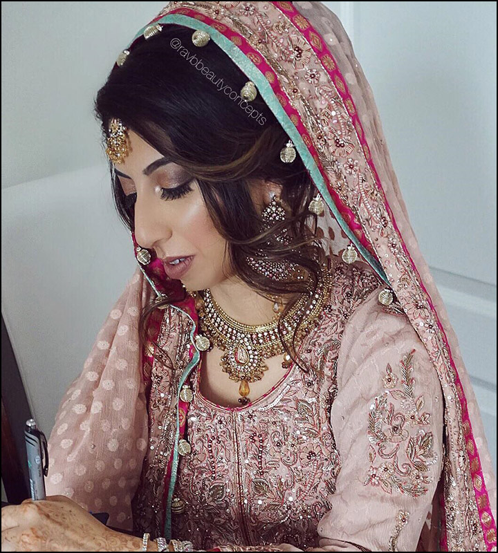 Indian Hair Updos: Indian Bridal Hairstyles: The Perfect 16 Wedding Hairdo Pics