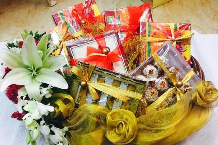 Basket decoration ideas for wedding images wedding decoration ideas gift baskets for indian weddings gift ideas wedding basket decoration fl basket decoration 5 amazing wedding junglespirit Gallery