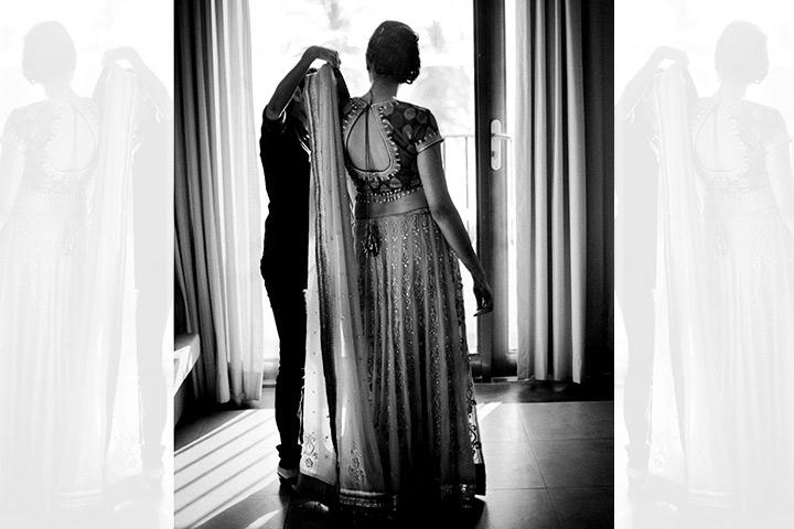 bride-with-wedding-planner