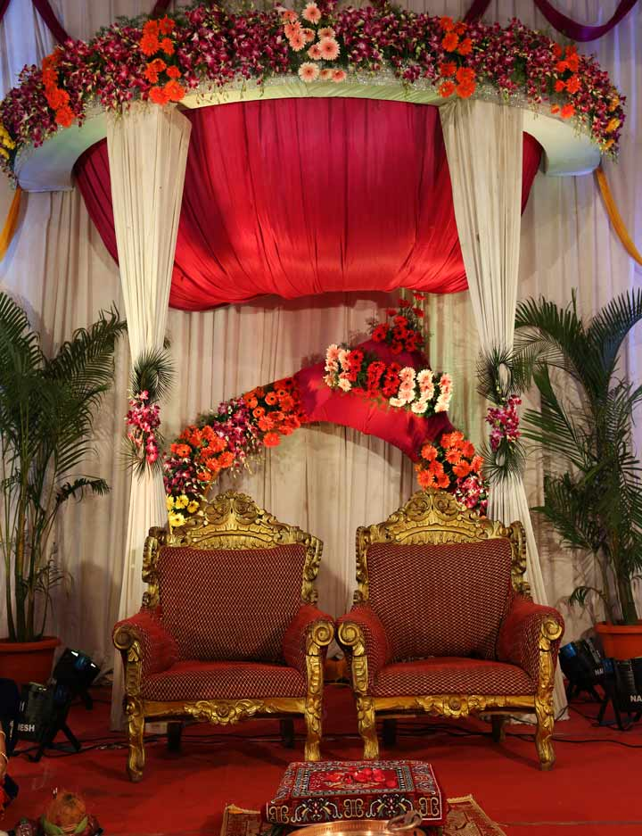 Wedding Hall Decoration-5-Antique-Chairs