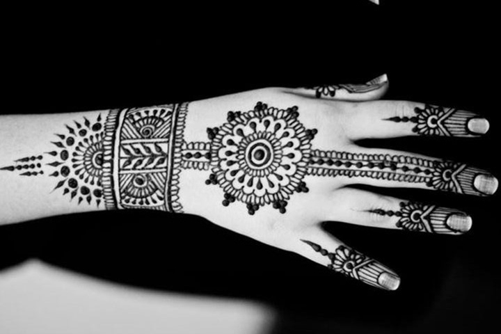 Arabic Inspired Half Hand Mehndi Design By Asha Savla