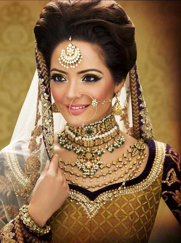 Bridal Jewellery On Rent-Centre Maang Teeka