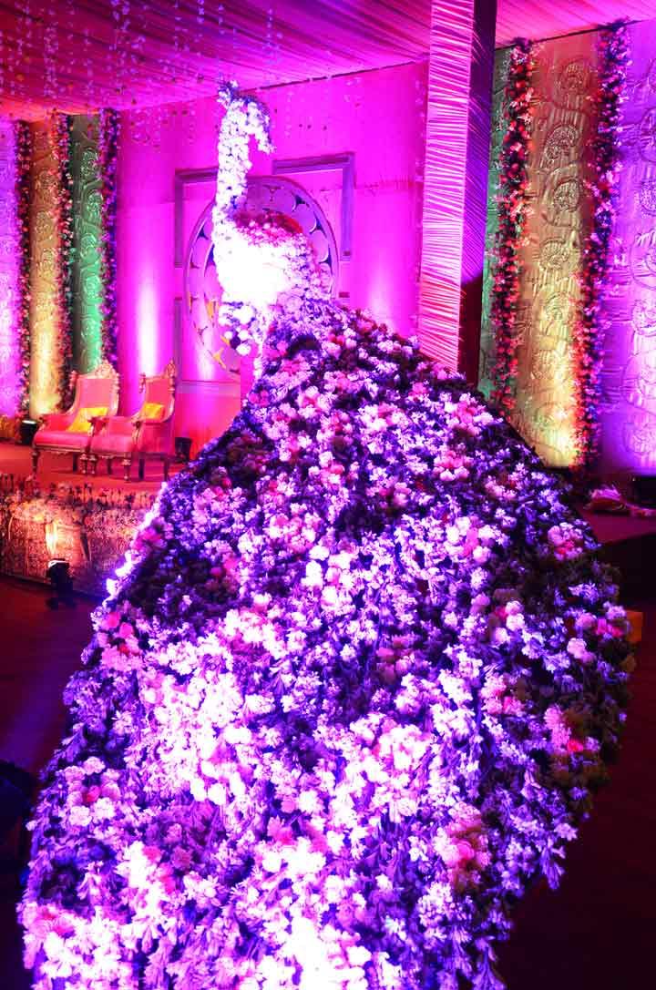 10 Awesome Budget Wedding Hall Decoration Ideas