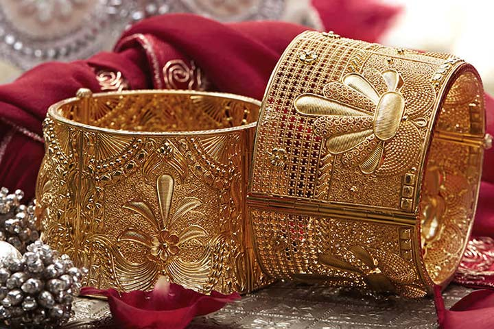 Tanishq Wedding Jewellery - Gold Cuff Bracelet With Intricate Filigree