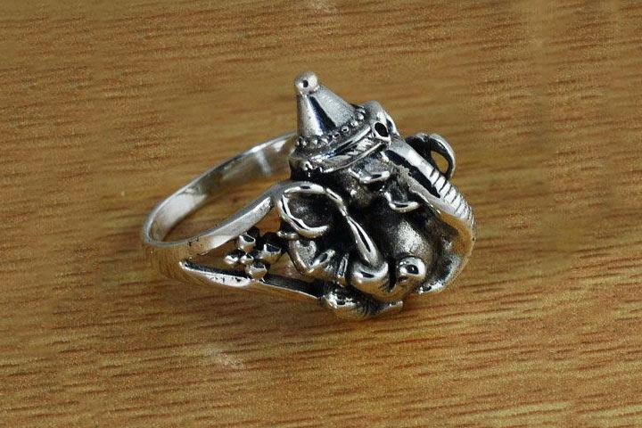 Idols Sculpted Rings
