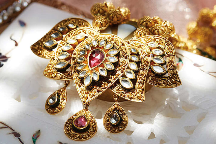 Tanishq Wedding Jewellery - Kundan Lotus Motif With Ruby Centrepiece