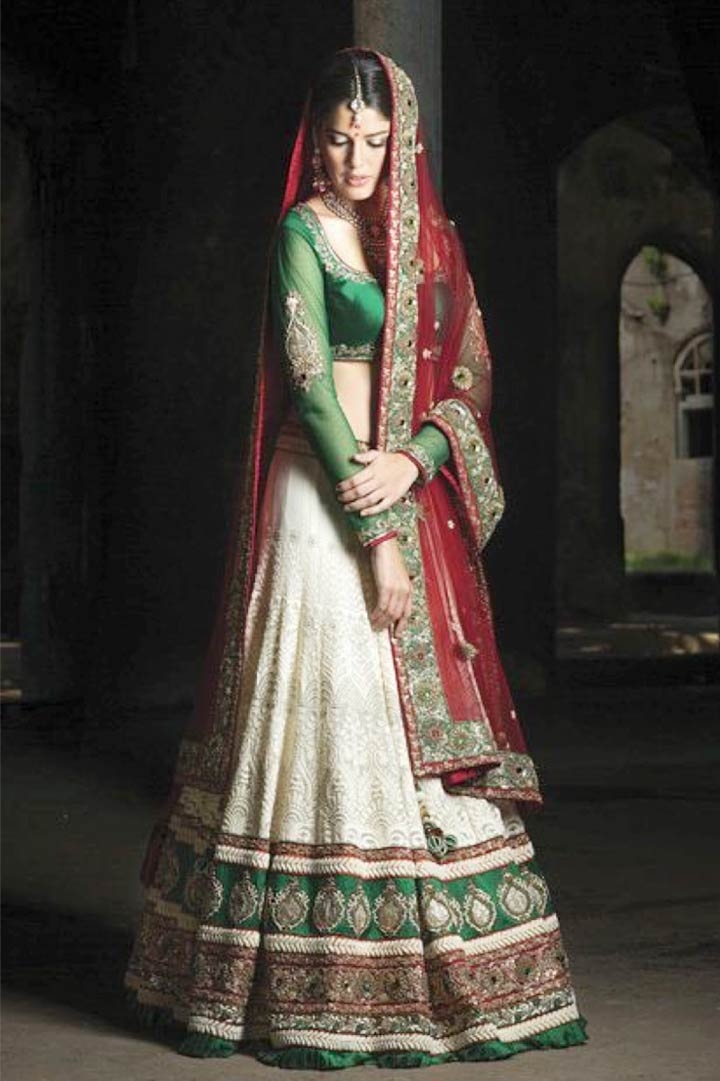 25 Flawless Indian Bridal Dresses For A Showstopper Effect