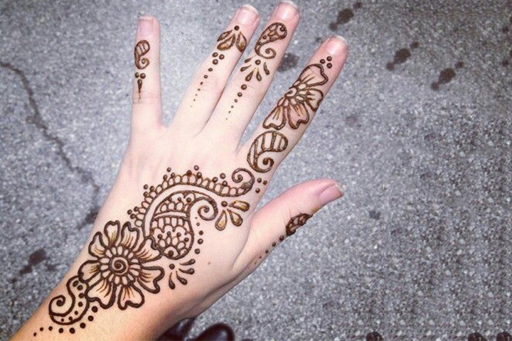 Simple Arabic Mehndi Designs For Beginners - Flower & Paisley