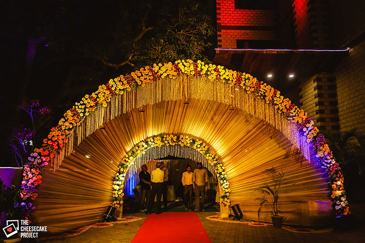 8 wedding gate decoration ideas that no one will forget for Archway decoration