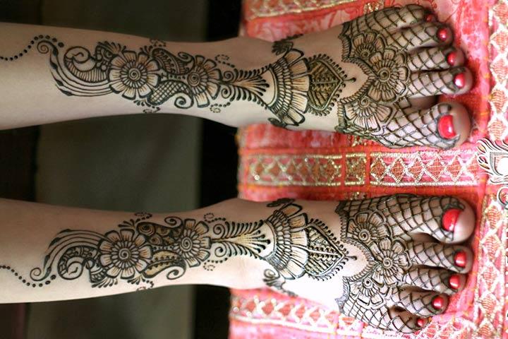 10 striking arabic mehndi designs for legs and feet