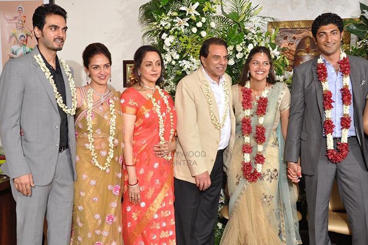 Hema Malini Marriage - family pic