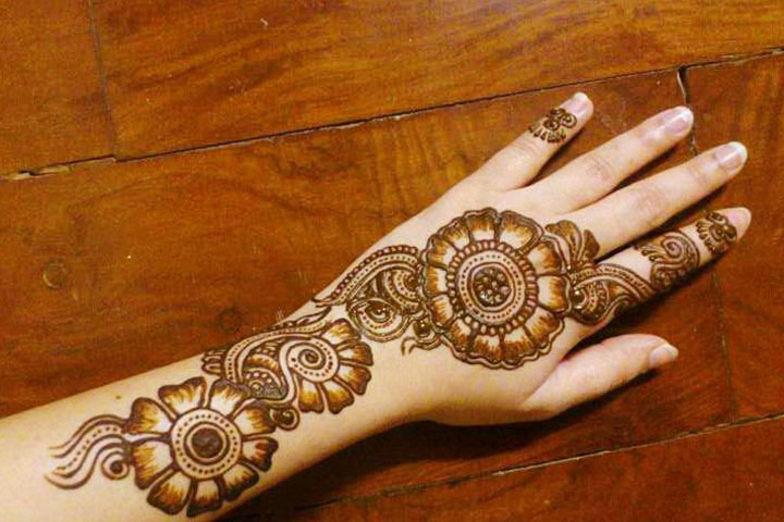 Mehndi Photography Facebook : Gujarati bridal mehndi designs best styles that stand out