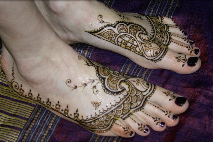 Leg Mehndi Designs Step By Step : 10 striking arabic mehndi designs for legs and feet!