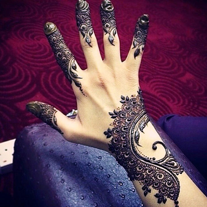 Fusion Indo Arabic Mehndi Design For Back Hands