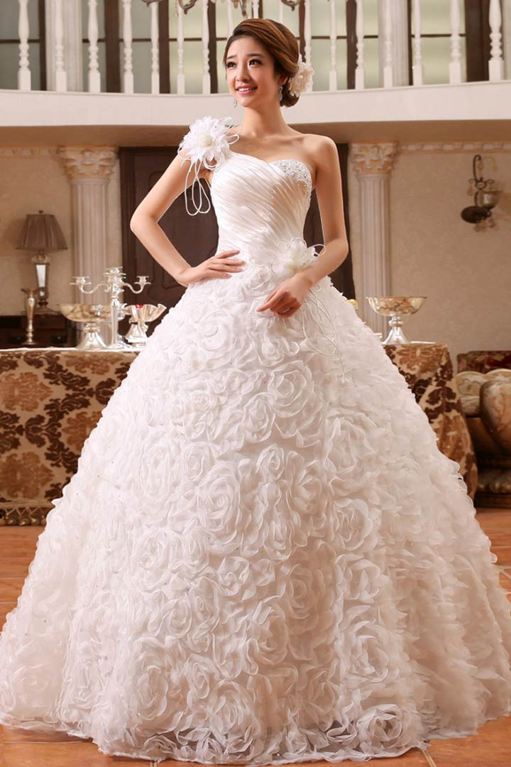 Utterly gorgeous ball gown wedding dresses 3 best stores for Best stores for dresses for weddings