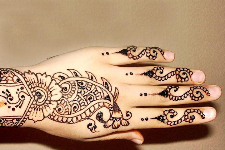 Simple Yet Stylish Indian Bridal Mehndi Design