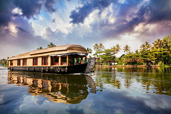 honeymoon destinations kerala serene backwaters of Kerala