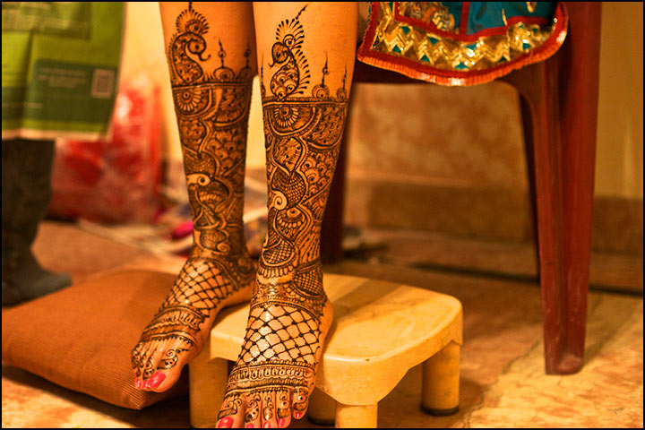Traditional Mehndi Designs - Fashionable Feet
