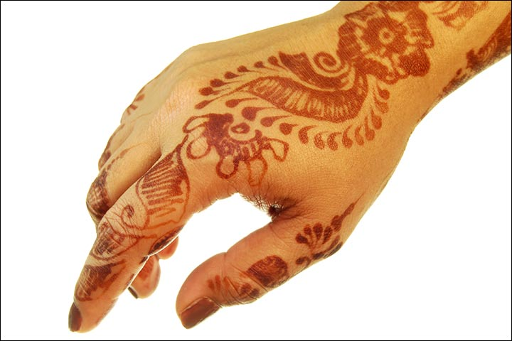 Mehndi Design for hands - A Simpler Traditional Kashmiri Design