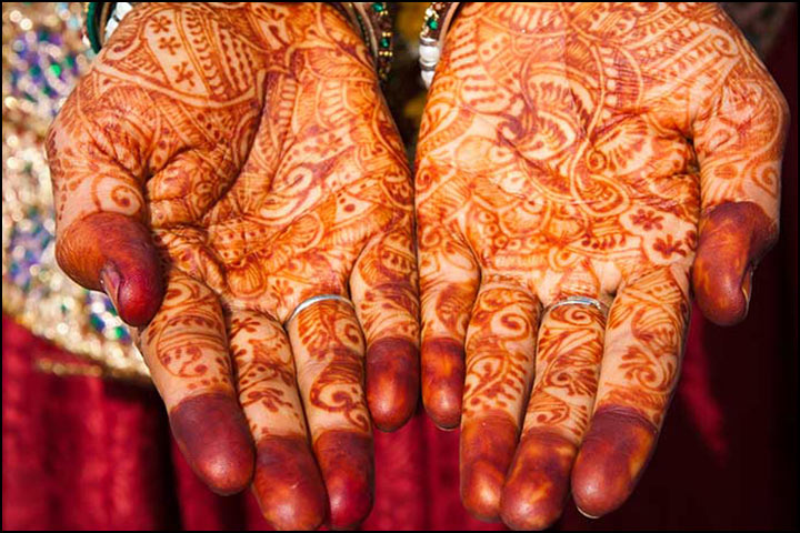 Traditional Mehndi Design - The Delicate Detail Design