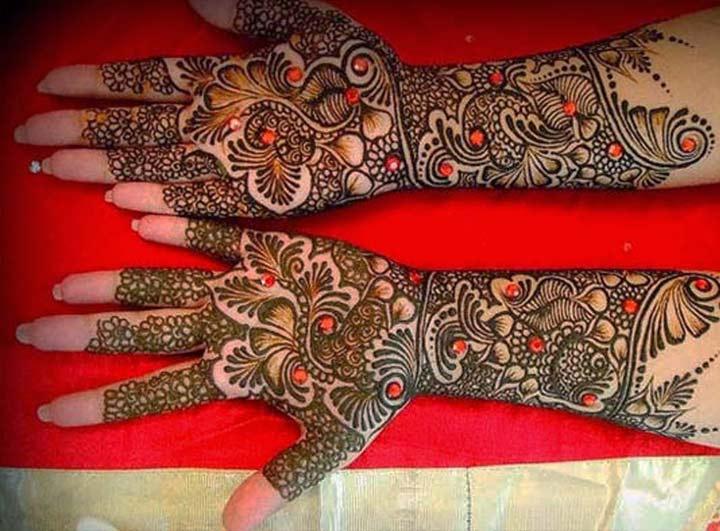 Gujarati Glitter Mehndi