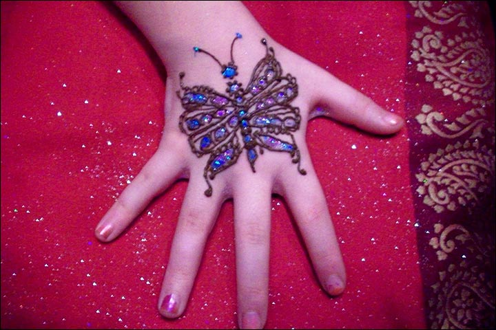 Butterfly Design - Simple Mehndi Designs For Kids