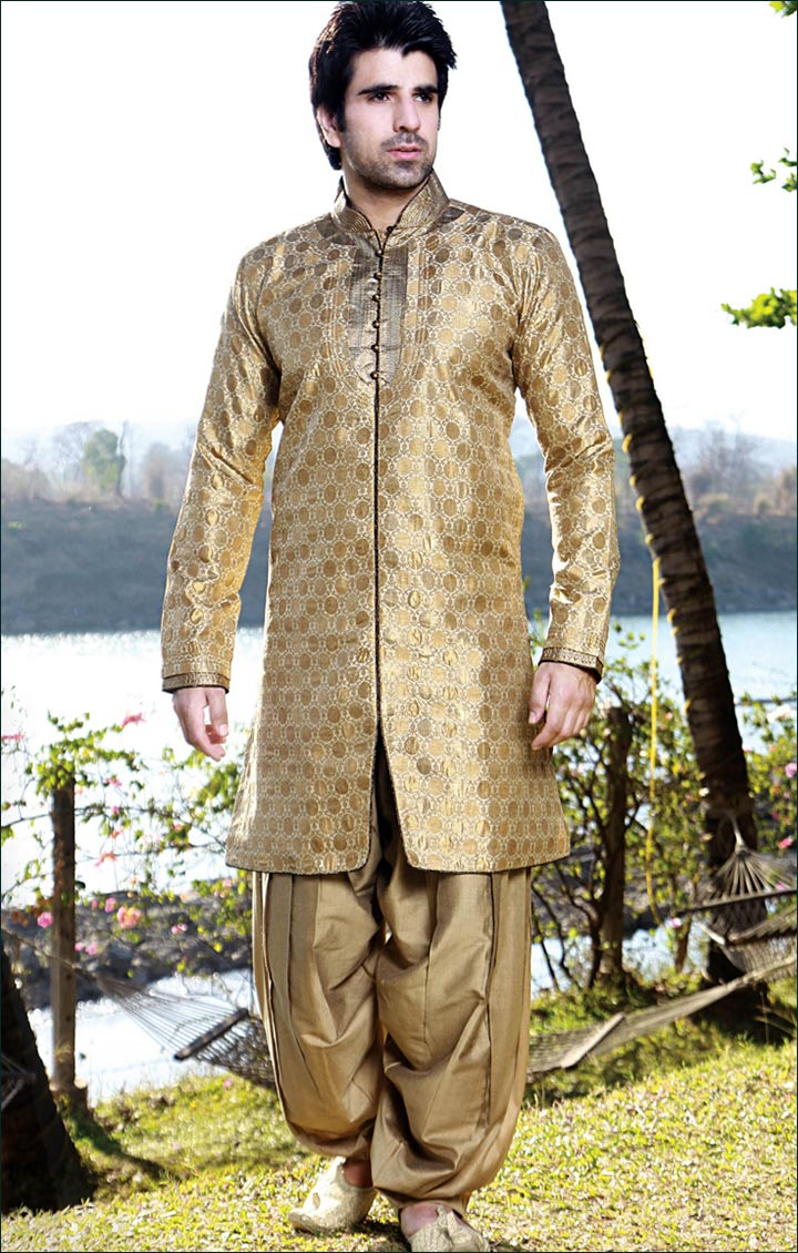 fc5814159c 22 Spectacular Kerala Groom Dresses For You In 2016