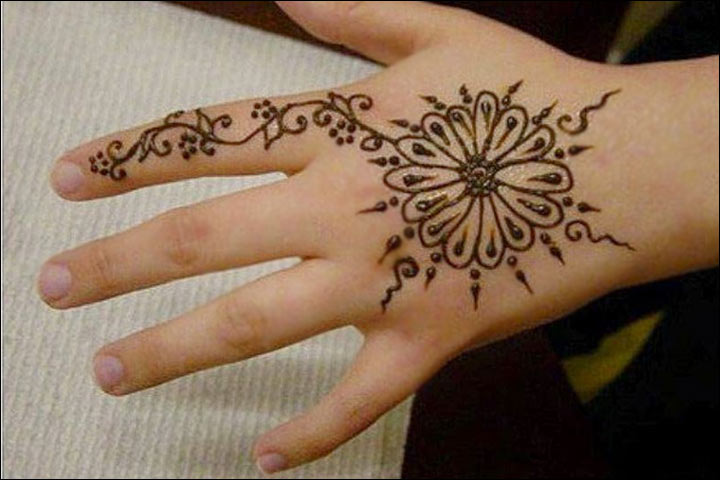 Flower Mehndi Designs For Back Hands : Smashing simple mehndi designs for kids