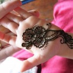 smashing-and-simple-traditional-mehndi-design-for-kids
