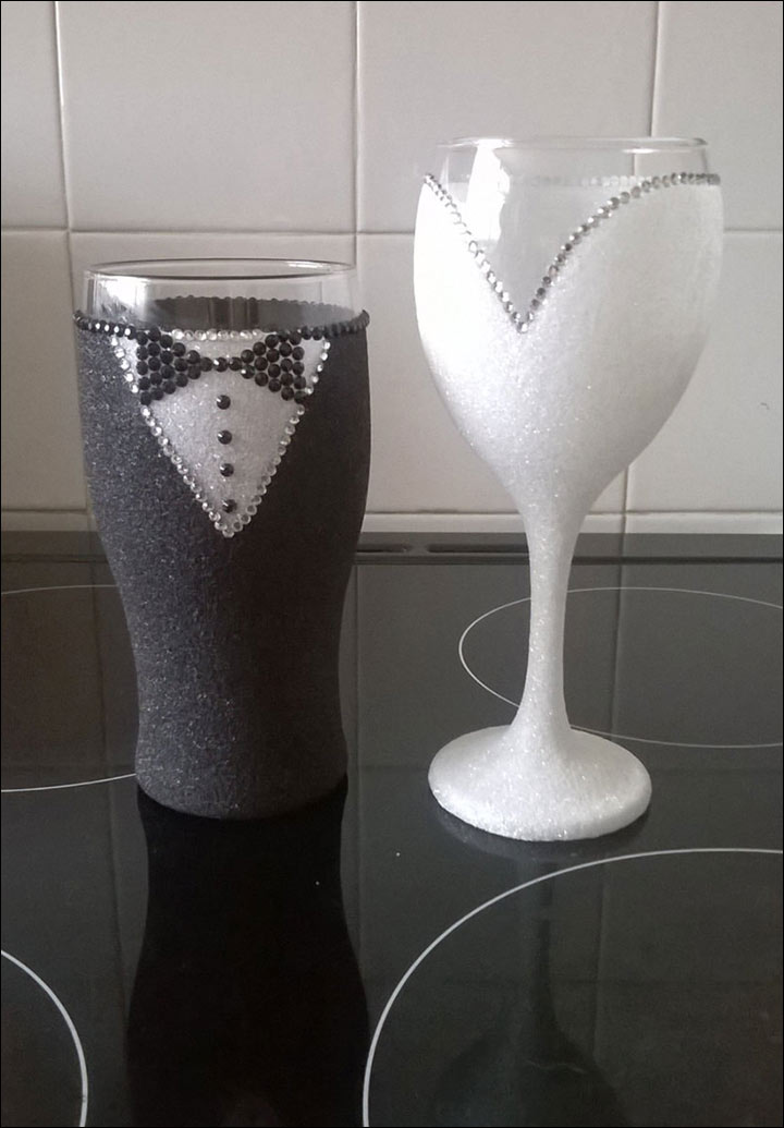 Black-and-White-Glitter-Glasses