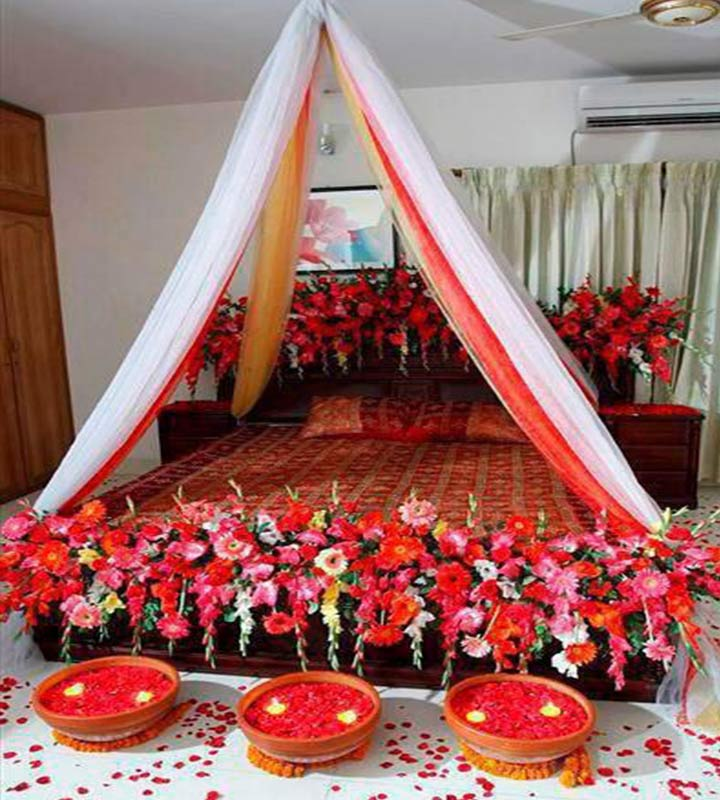 Wedding room decorations 10 ideas to make the festivities for Marriage bed decoration photos