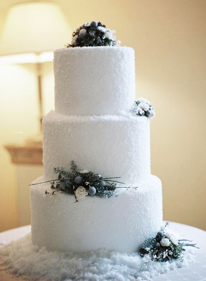 Snowfall Winter Wedding Cake