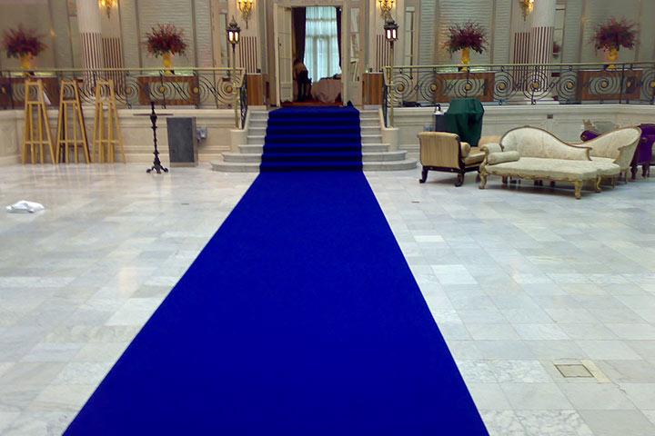 The-Royal-Blue-Lobby