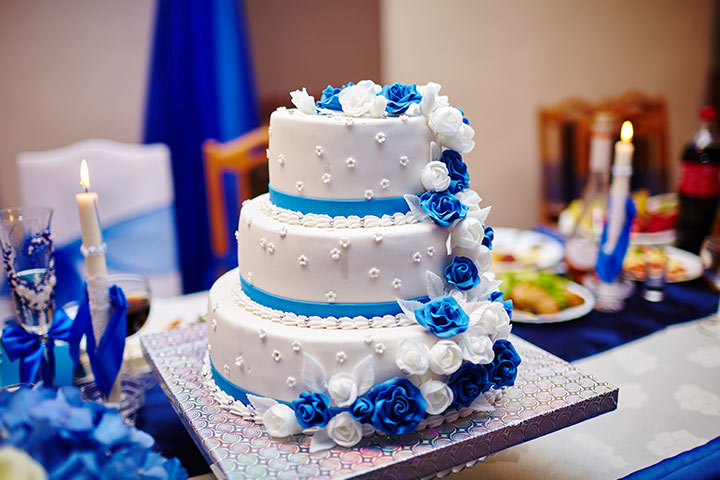 wedding cake royal blue flower 7 royal blue wedding decorations for a truly regal look 23723