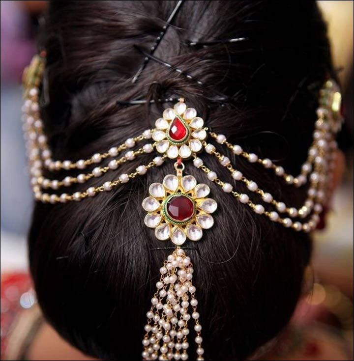 maharashtrian bridal hairstyles - The Traditional Bun With Juda Pins