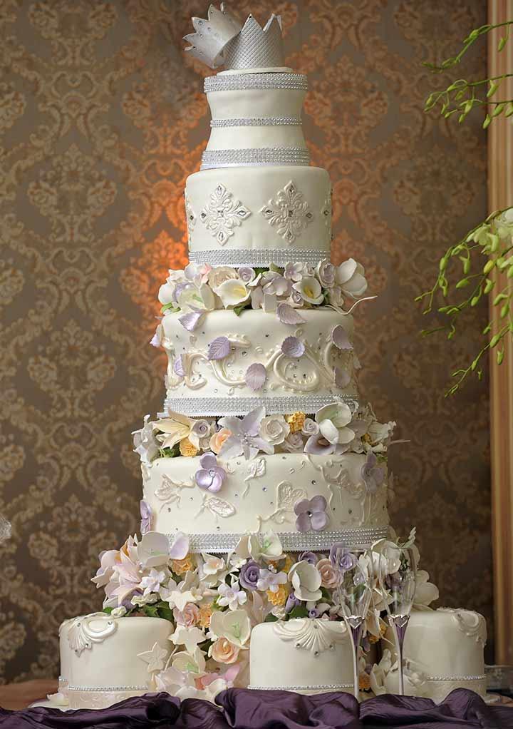 14 lip smacking ideas for wedding cake designs for Wedding design ideas