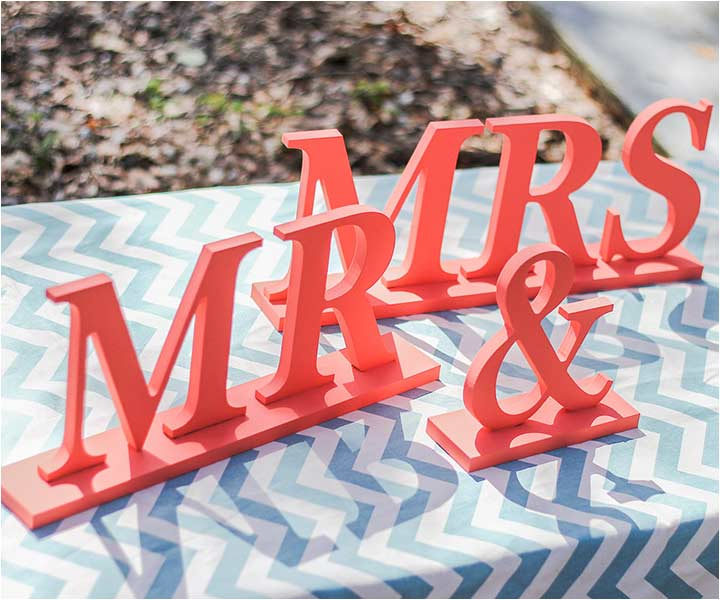 10 Cheerful Coral Wedding Decorations That Are Perfect For Your Wedding