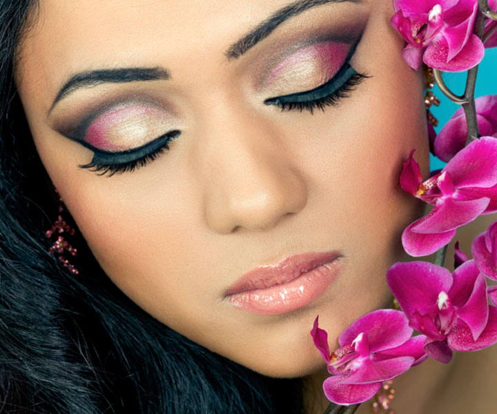 Applying Eye Makeup For Wedding Day : Bengali Bridal Makeup With 10 Amazing Pics And Videos