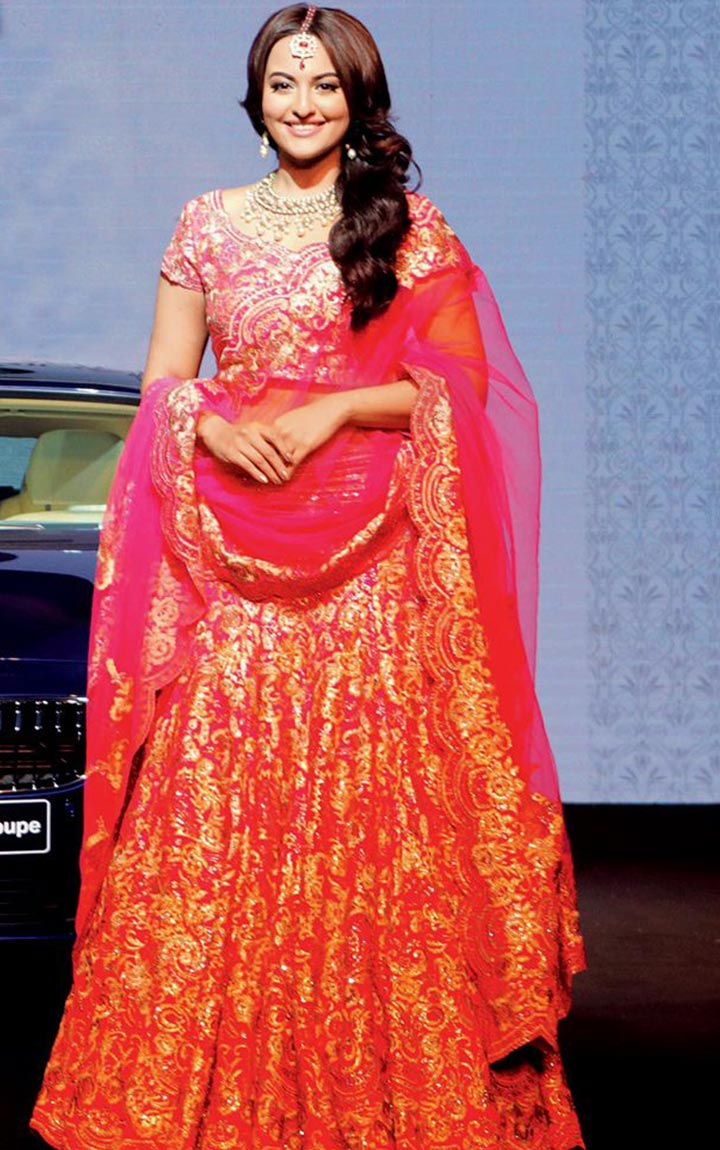 10 Bollywood Bridal Lehengas That Promise To Bedazzle Your Groom