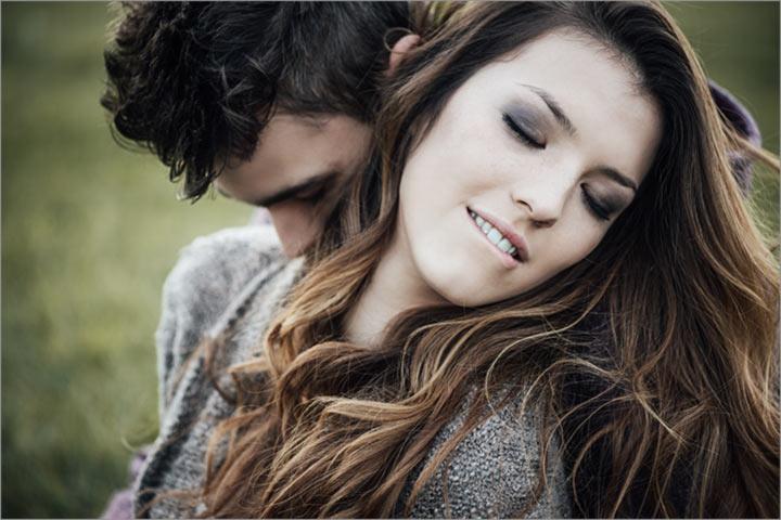 Romantic-couple-outdoors