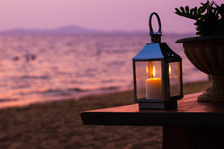The-Candle-Lantern