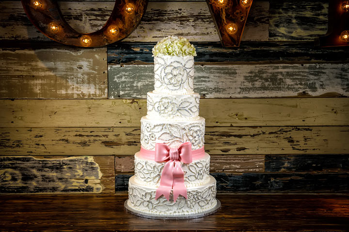 Vintage Wedding Cakes - The Classic Tiered Cake