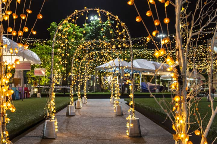 11 Brightest Ideas On Light Decoration For Wedding