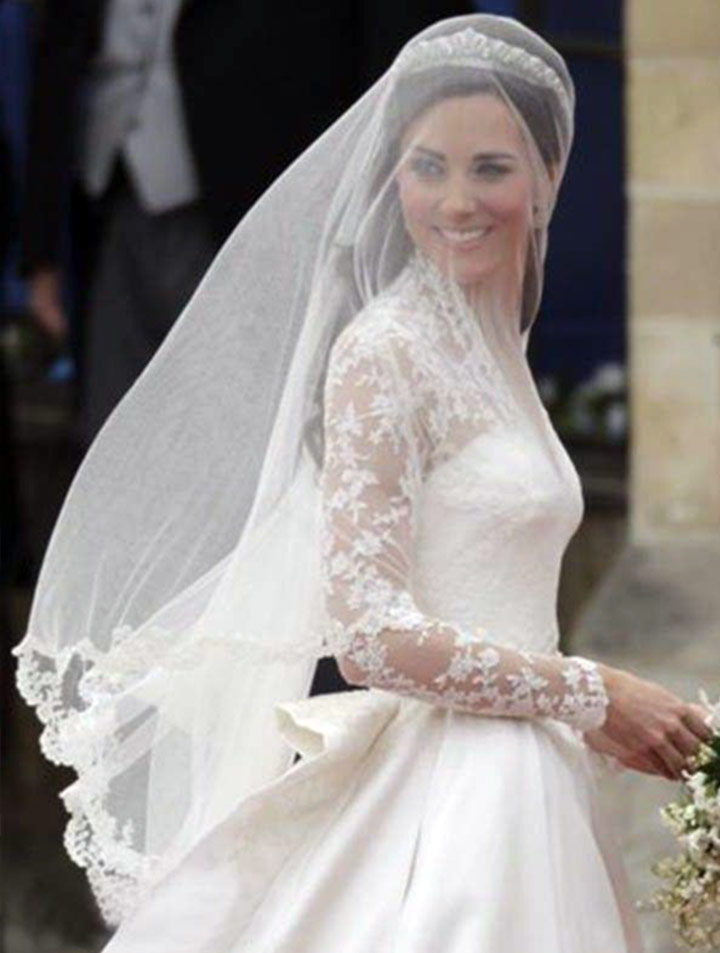 Kate Middleton Wedding Dress Dainty Nuptial Attire Of The Duchess