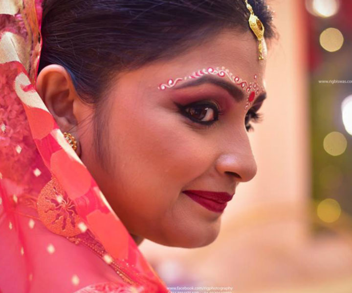 bengali-bridal-makeup-with-stunning-Bengali-bride