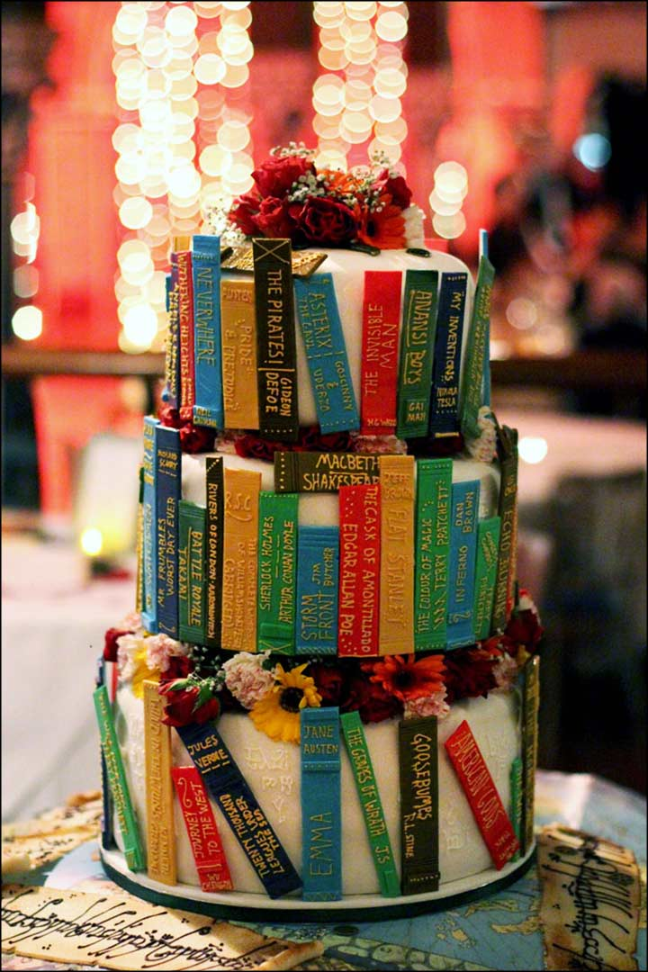Unique Wedding Cakes - The Book Lovers Cake
