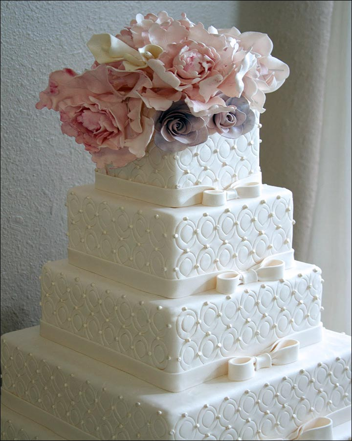 traditional white wedding cake square wedding cakes to choose from for your big day 21214