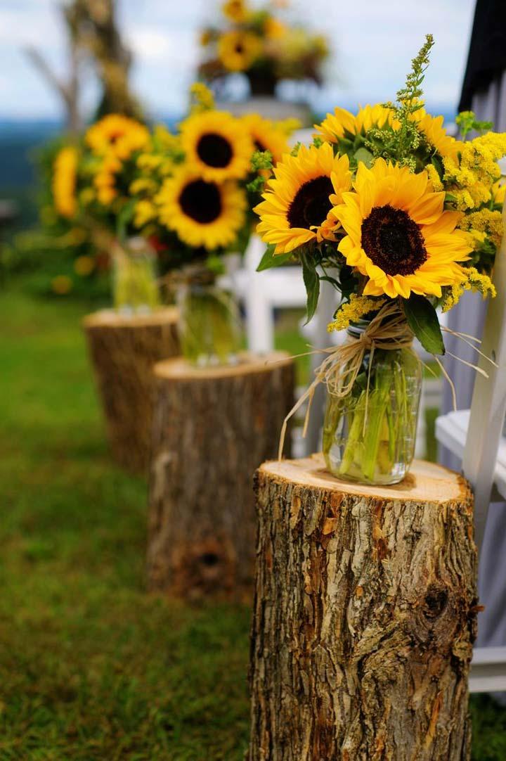 -Let-The-Love-Bloom-aisle-decoration