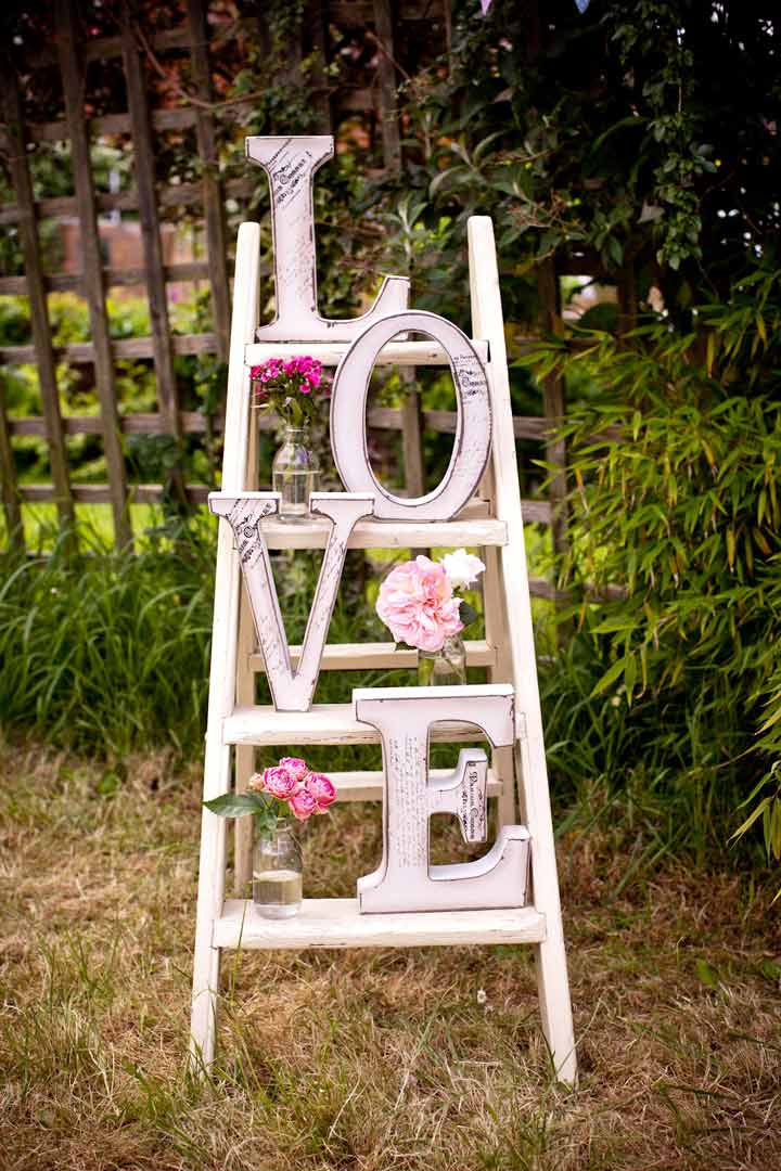 Love-letter-lader-for-white-wedding-decoration