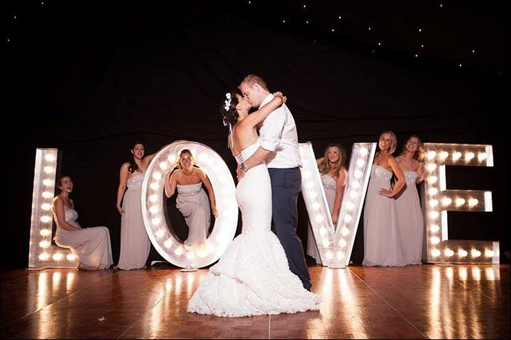 Luminous-Love-Props-wedding-decoration